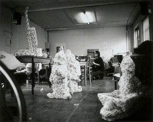 Sarah Lucas, Studio, Clerkenwell Road, 2000