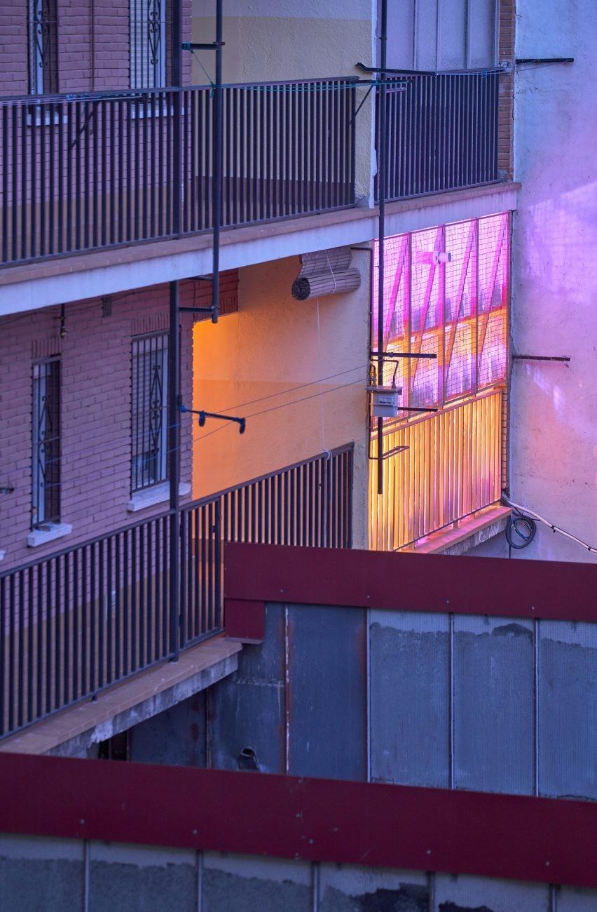 apartments-plywood-interiors-residential-husos-madrid-spain_dezeen_2364_col_12-852x1300.jpg