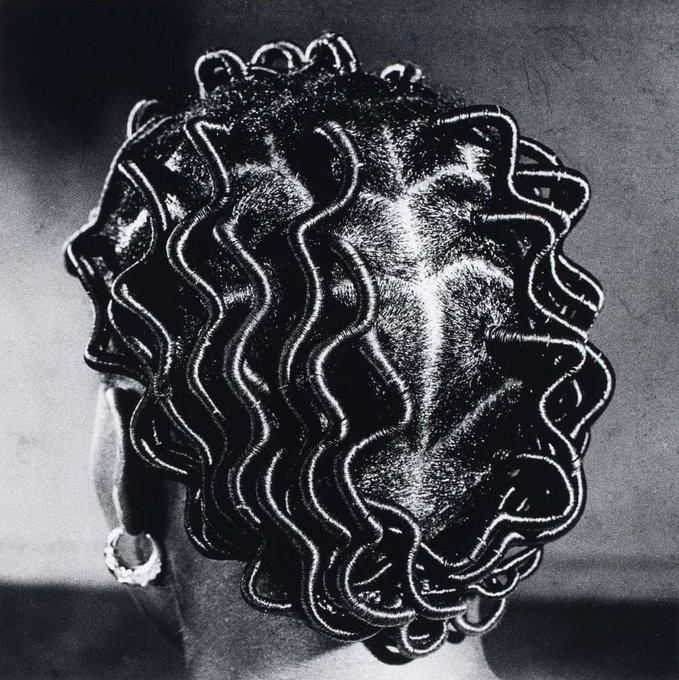 nigerian-women-s-hairstyles-1966-1975-photographed-by-j.d.-okhai-ojeikere-4.jpg