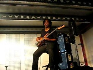 Victor Wooten Plays Wrong Notes