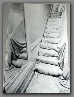 art-installation-javacheff-christo-wrapped-staircase-1969.jpg