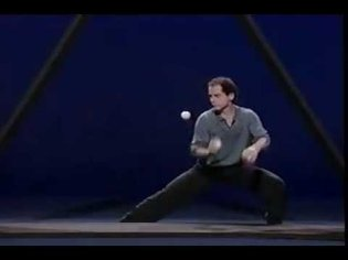 Michael Moschen performs THE TRIANGLE - YouTube