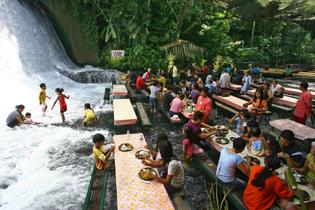 labasin-waterfall-restaurant.jpg