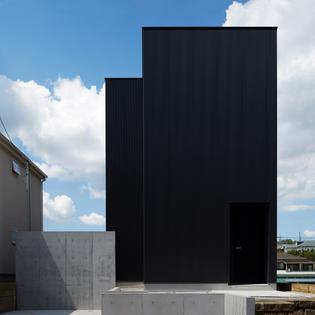 black-box-takatina-architecture-houses-residential-japan-tokyo_dezeen_sq-d.jpg