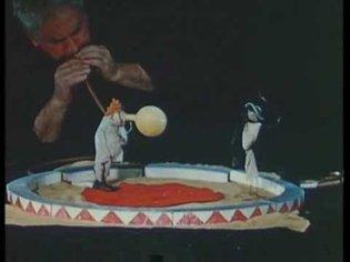 """Alexander Calder perfoming his """"Circus"""" – 1955"""