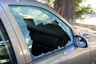 broken-car-window.jpg