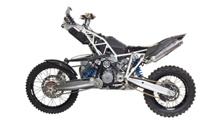 projekt-dt-a-all-wheel-drive-ktm-990-adventure-4.jpg?auto=format-compress-dpr=2-fit=max-q=40-w=1000-s=47e192270abecb27fd3a2f...