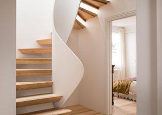 casa-vota-51-architecture-house-london-uk-staircase_dezeen_1568_5.jpg