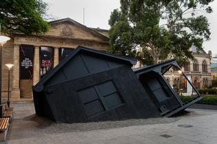 002-landed-ian_strange-chc5060-house-installation-musueum-exhibition-biennial-of-australia-art-2014-dark-heart-.jpg