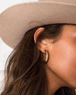 Earring | Hat | Woman | Acessories | Jewellery | Gold tumblr_p2kdapneey1qlwx7vo1_1280.jpg