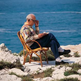 Akira Kurosawa by Catherine Cabrol. Cap d'Antibes, 1993.