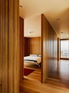 Saddle Peak House by Sant Architects. Topanga, California