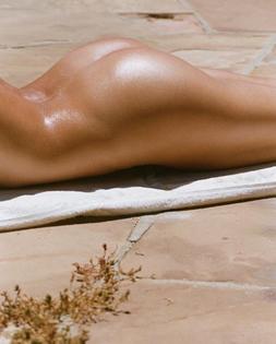 Skin | Beach | Sunlight | Orange | Oil | Woman | Girl | Butt | Vacation | Tropical | tumblr_p7xpdboj8c1tfqi0so1_1280.jpg