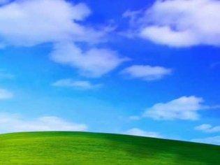 Windows XP Bliss Screensaver