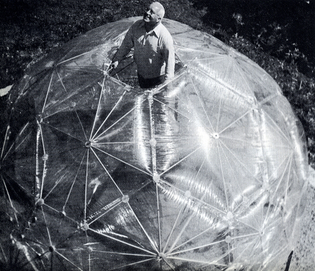 Dymaxion-Wolrd-of-Buckminster.jpg
