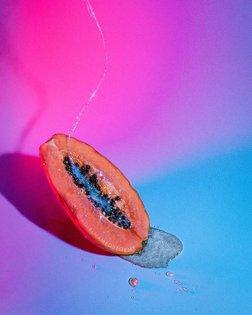Like S U G A R ✨🍬 ______________________________ #feministart #stilllifephotography #still #stilllife #papaya #female #synth...
