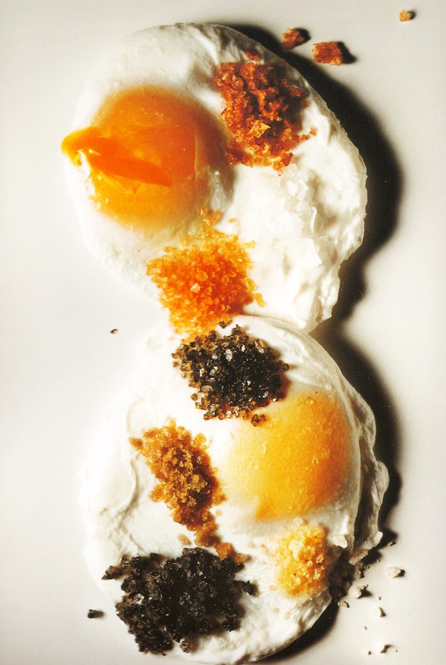 irving-penn-pouched-eggs.jpg