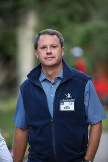 Polo and fleece vest - Doug McMillon