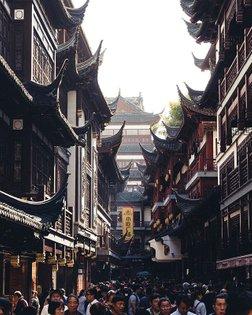 Classics . #Shanghai #moodygrams #agameoftones #instagramjapan #urbanromantix #rawurbanshots #illgrammers #streetclassics #a...