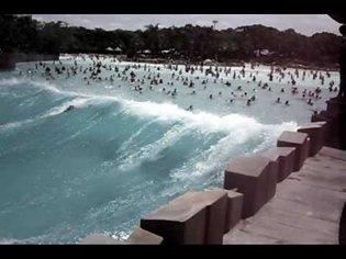 Typhoon Lagoon wave pool (best vid)