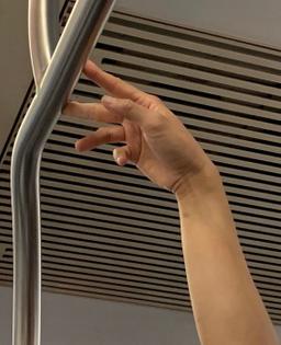 subway-hands.jpg