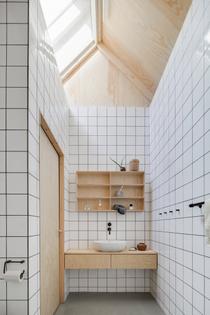 house-for-mother-forstberg-ling-bathroom-1466x2197.jpg