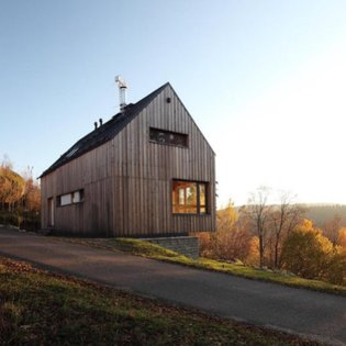 Czech architecture firm Prodesi designed the single-family home, called Jizerské Hory