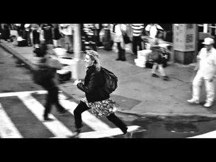 Frances Ha [2013] - Dance in the street
