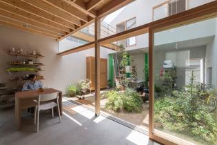 Interior patio, transparency