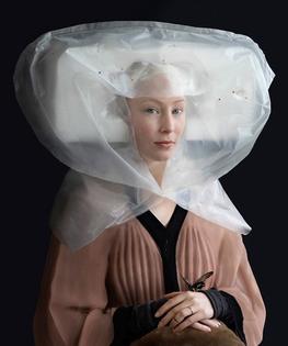 suzanne-jongmans-recycled-renaissance-costumes-600.jpg