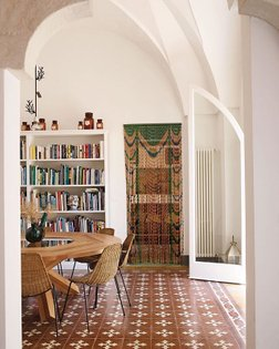 #RoomOfTheDay: In the dining room of art historian and curator Peter Benson Miller's home in #Puglia are late 19th-century f...
