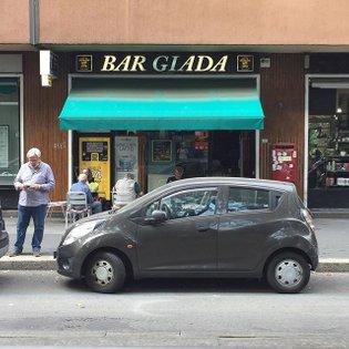 Preziosa. . . . #milano #insegne #bar #negozianticonfidenziali