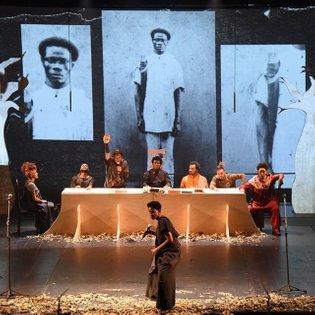 """TEATRO O coletivo Legítima Defesa traz o espetáculo """"Black Brecht: E se Brecht fosse negro?"""" para uma temporada no #CCSP. Li..."""