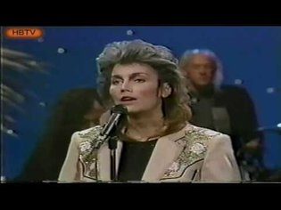 Linda Ronstadt Dolly Parton Emmylou Harris Trio live on The Tonight Show