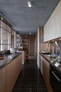 shakespeare-apartment-barbican-interiors-takero-shimazaki_dezeen_2364_col_14.jpg