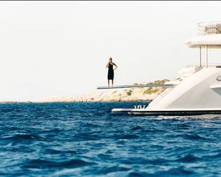 woman_on_boat.jpg