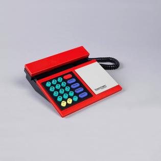 Beocom Model 2200 Telephone, designed by Lone Lindinger-Löwy, 1986