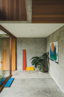 a-brutalist-tropical-home-in-bali-patisandhika-daniel-mitchell-indonesia-concrete-house-architecture_dezeen_1704_col_9-852x1...