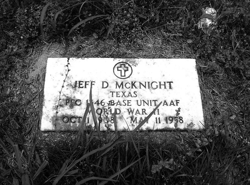 800px-humble_negro_cemetery-_humble-_texas_0508101301bw_-4592290280-.jpg