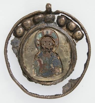 "𝚂𝙿𝙸𝚁𝙸𝚃 𝚁𝙴𝙲𝙴𝙸𝙿𝚃 on Instagram: ""Medieval Medallion : Cloisonné enamel, gold alloyed with silver"""