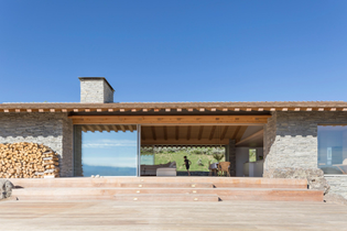 ignant-architecture-mclean-quinlan-stone-house-003.jpg