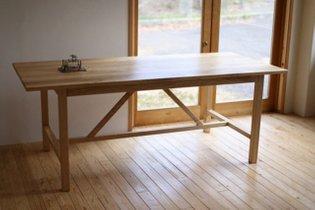 sweet chestnut table 栗の木のトラステーブルです。 1900×850×720mm #table #sweetchestnut #woodworking #ishitanifurniture