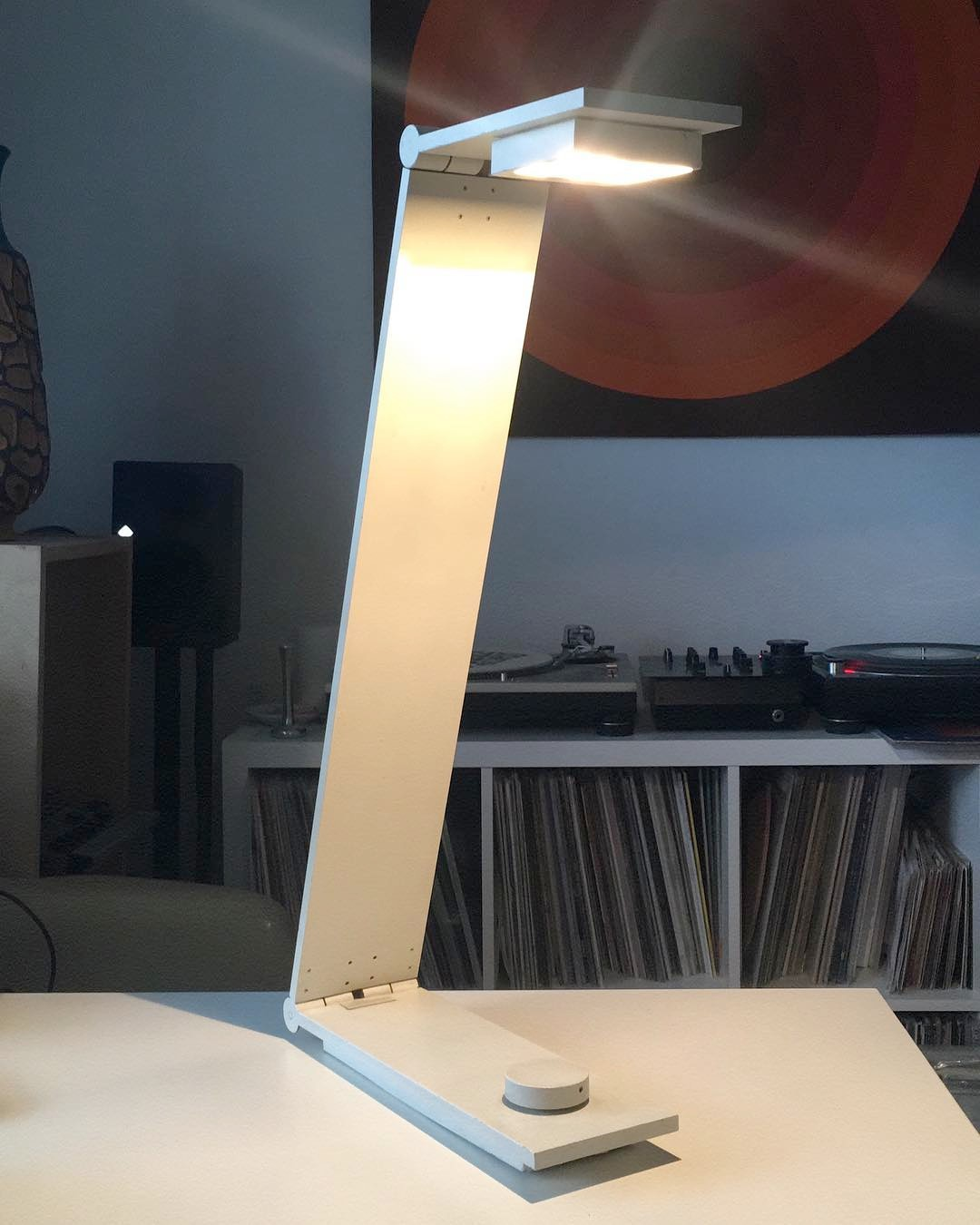 1980's metal Italian desk lamp designed by Alessandro (possibly akin to Paolo) Traversi