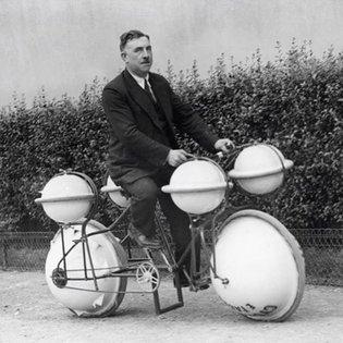 "The ""Cyclomer"" amphibious bike, picture taken in Paris, 1932. I'm still hoping someone makes a motorized version. #bike #bic..."