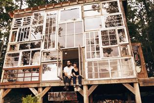 vixenelle: x: Couple Nick Olsen and Lil...