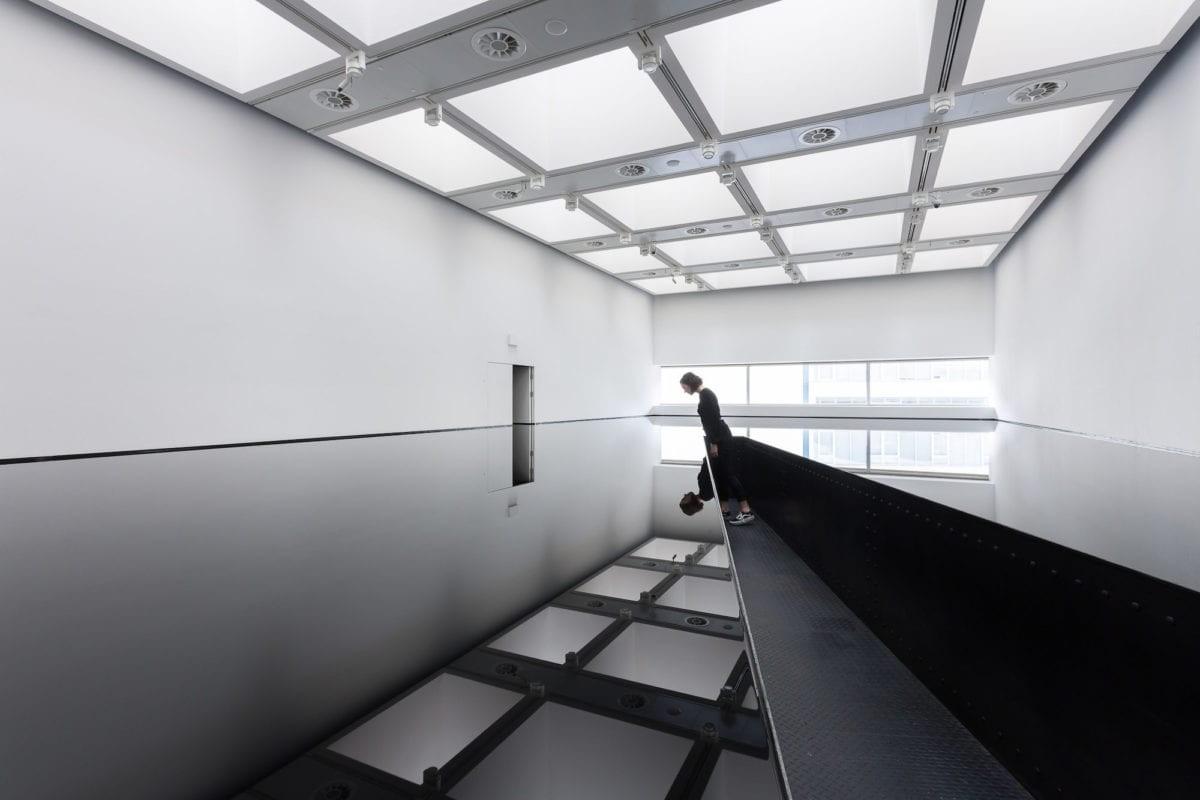 02-installation-view-of-richard-wilson.jpg