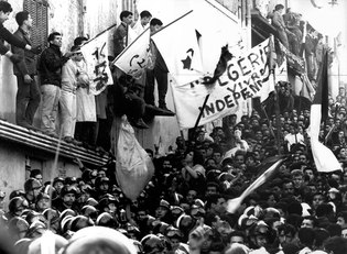 08_october-30-1974-anniversary-of-algerian-war-for-independence-credit-alamy-images-1.jpg