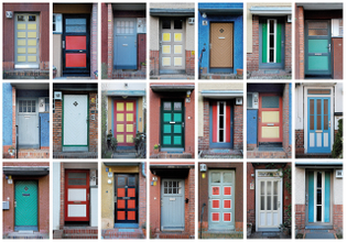 """Doors at Bruno Taut's """"Hufeisensiedlung"""", current images"""