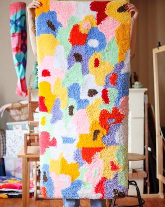 """Clotilde Puy 🍒 on Instagram: """"🌈☀️ tapis mochi ☀️🌈  ✨ Premier tapis réalisé au pistolet à tufter ✨ 🌸 Moelleux et comfortab..."""