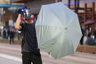04_bingguan_wired_hkprotests_hires_final.jpg